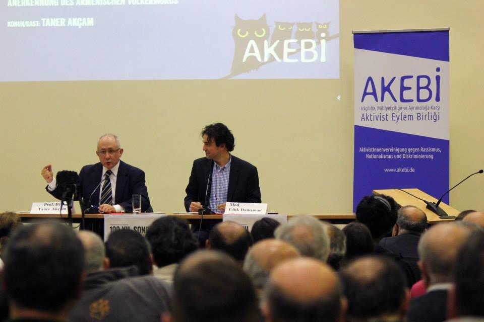 akebi-taner-akcam-03